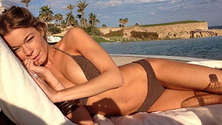 LeAnn Cabo Bikini 640 X17