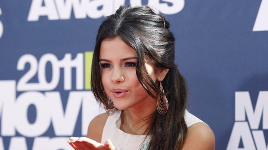 Selena Gomez 640