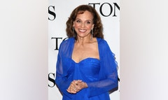 Valerie Harper sat down with ET to set the record straight about a magazine report quoting her as saying that she's absolutely cancer-free.