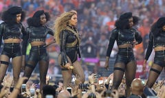 Beyoncé and her bouncing bandolier of bullets stirred things up during the Super Bowl halftime show — with two dozen black beret- and Afro-topped backup dancers paying tribute to a different kind of Panther.
