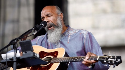 American folk guitarist Richie Havens, who captivated audiences at the  Woodstock music festival, died on Monday. He was .