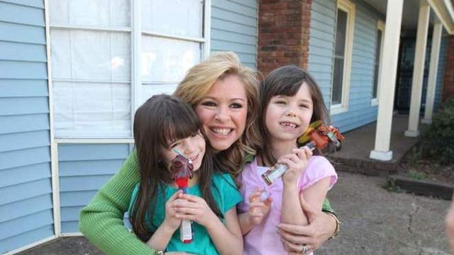 Blind side subject leigh anne tuohy talks new show about adoption