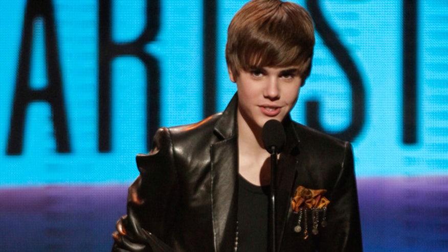 Bieber wins at AMAs