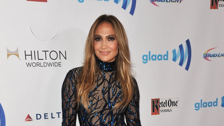 Jennifer Lopez glaad awards ap.jpg