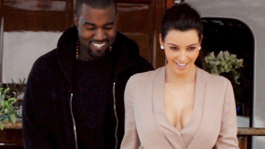 Kim Kardashian Kanye West X17