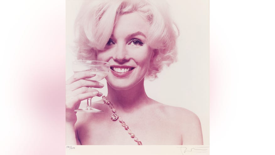 auctioning marylin 2.jpg