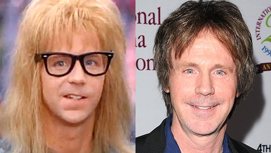 dana-carvey-waynes-world-watn-red-carpet-movie-photo-split.jpg
