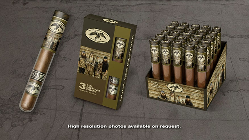 duck dynasty cigars 660 handout.jpg