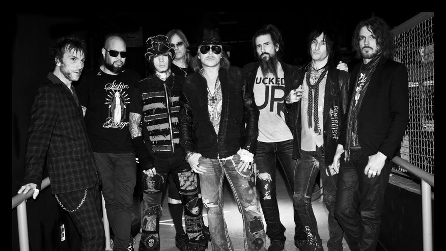 guns n roses current lineup 660.JPG