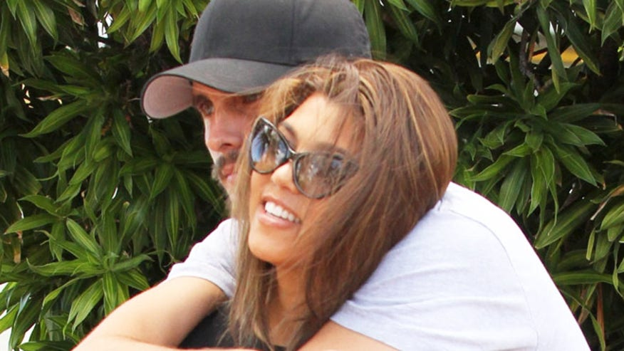 kourtney-kardashian-scott-disick-x17-660.jpg