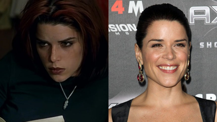 neve-campbell-wild-things-movie-1998-photo-red-carpet-now-SPLIT.jpg