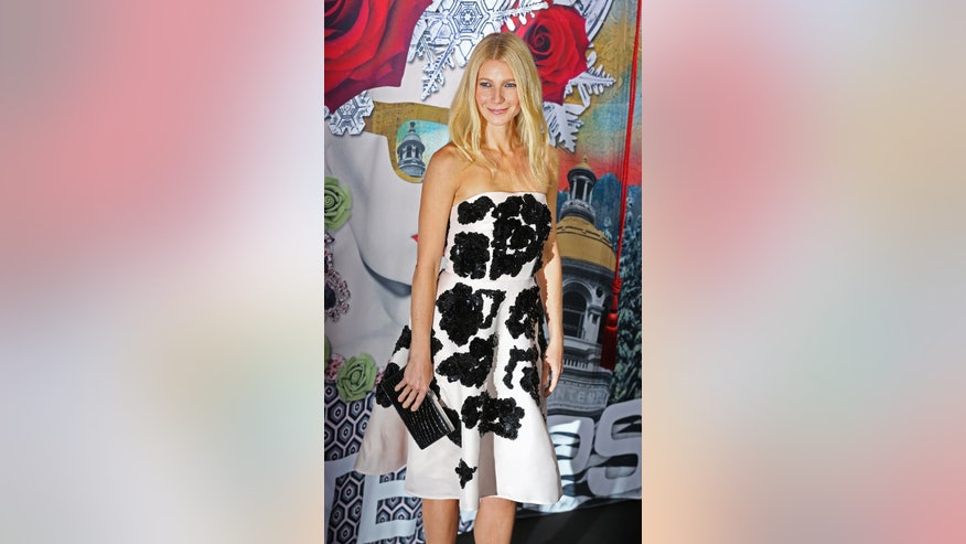 paltrow black and white dress ap.jpg