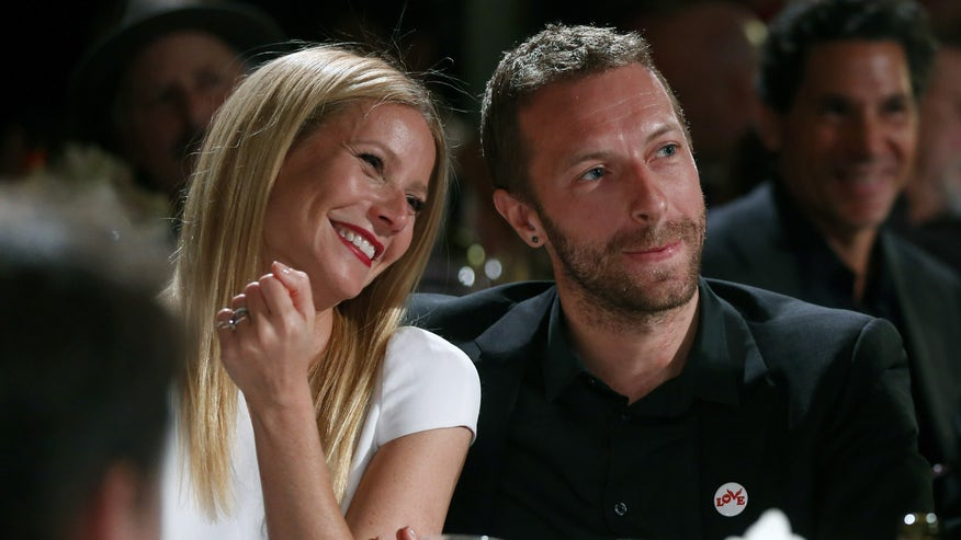 paltrow smile and martin ap.jpg