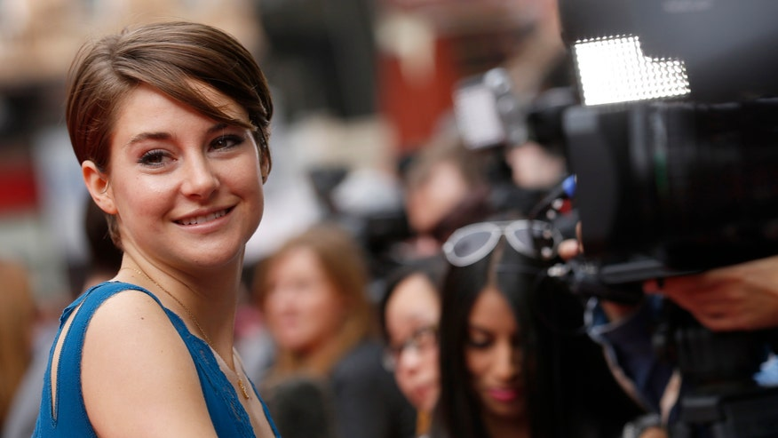 shailene woodley in blue reuters.jpg