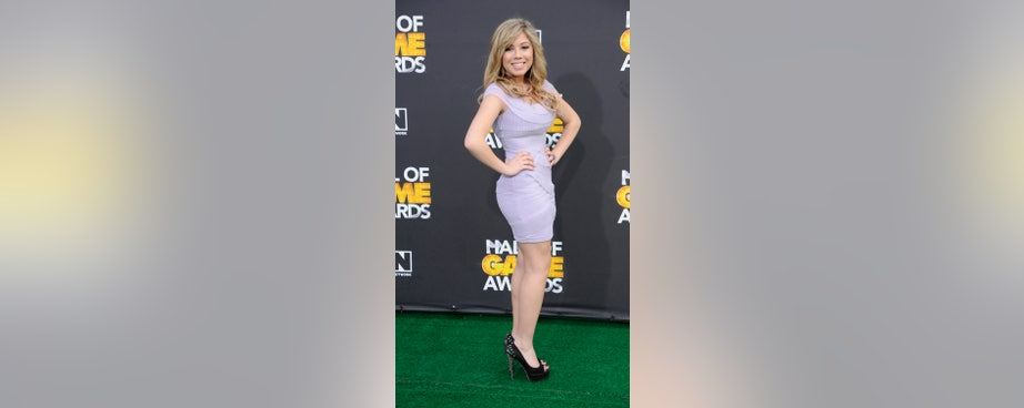 Nickelodeon's Sam  Cat only got cancelled a few weeks ago, but the show's former star Jennette McCurdy is already making news again with a rather lengthy but well-written diatribe,<a href=http://www.reddit.com/r/jennettemccurdy/comments/blzkb/i_am_not_a_role_model/