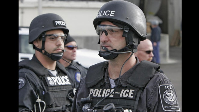 ice-immigration-agents – State of Exception