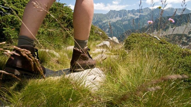 istock_hiking.jpg