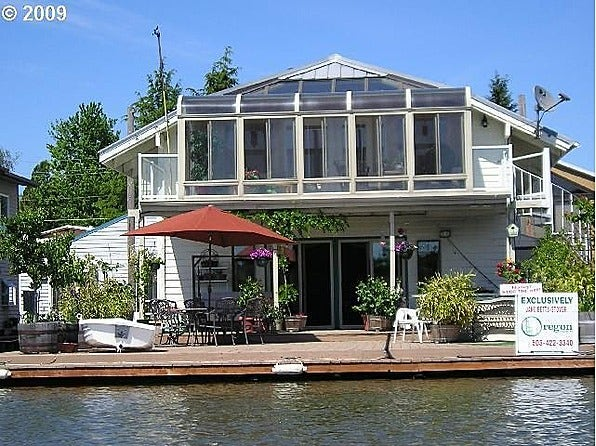 9 fantastic floating homes for sale slideshow fox news