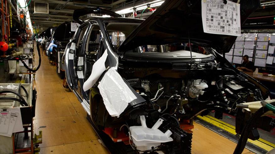 2013-nissan-leaf-assembly-660.jpg