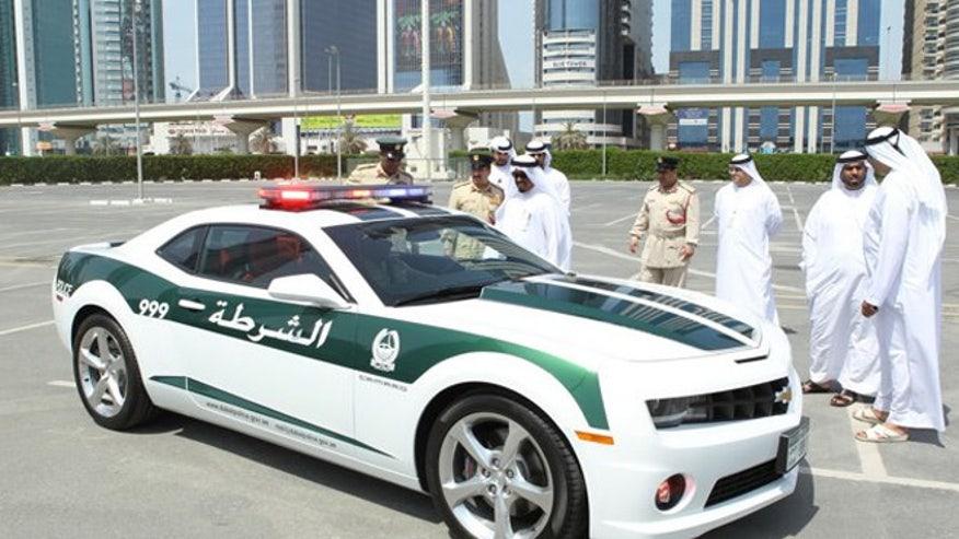 Dubai-police-camaro-2-660.jpg