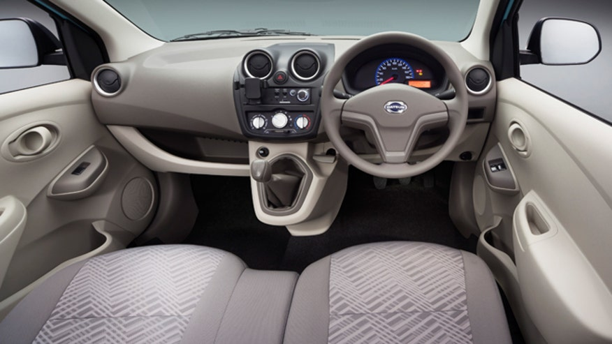 datsun-go-interior-launch-660.jpg