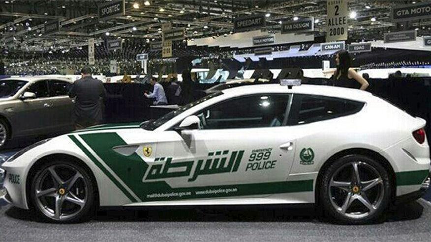 ferrari-ff-police-car-660.jpg