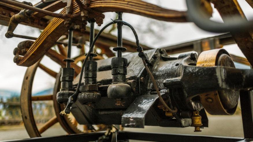 first-porsche-engine-660.jpg