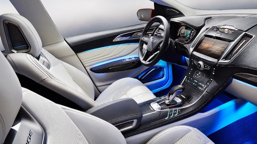 ford edge concept cabin 660.JPG