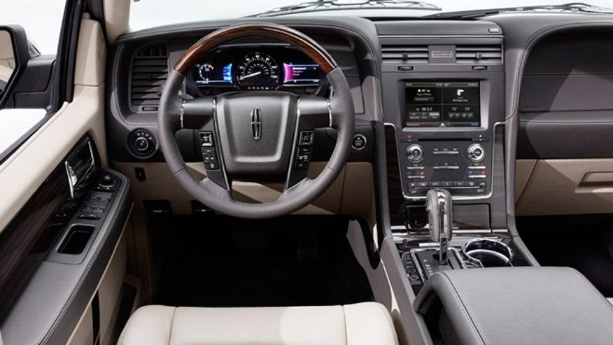 lincoln-navigator-interior-2015-660.jpg