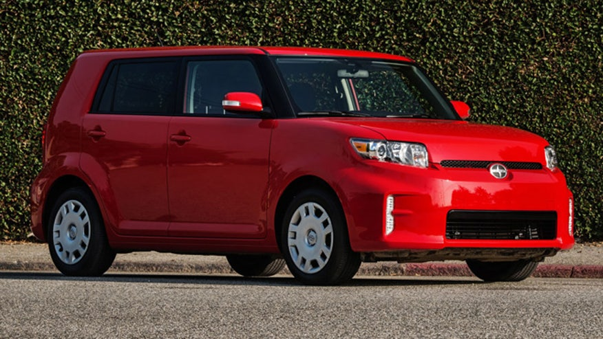 scion-xb-2013-660.jpg