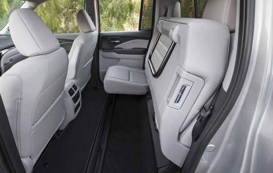 17-ridgeline-rear-seats.jpg