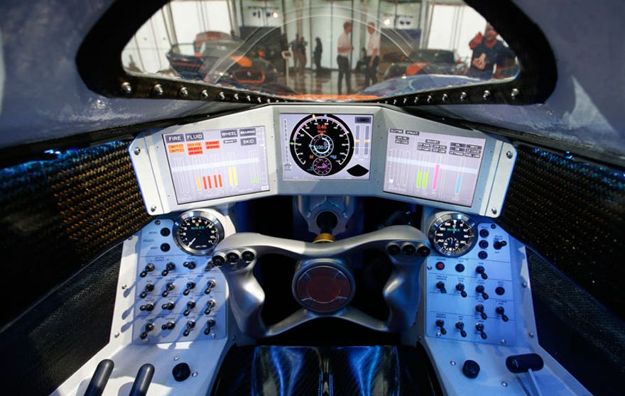 bloodhound-cockpit-876.jpg