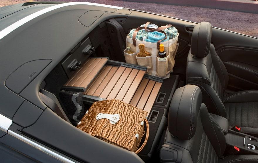 cascada rear seat.jpg
