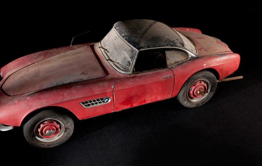 elvis-car-red-876.jpg