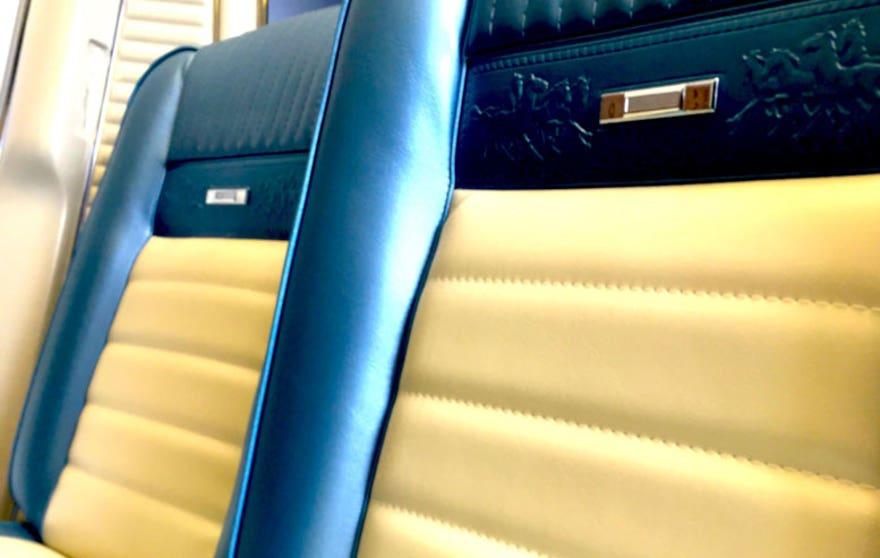 revology-seats-876.jpg