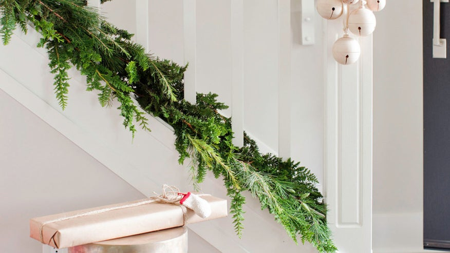 HolidayDecor1.jpg