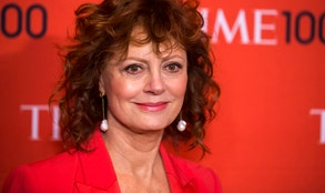 Nearlya week after the SAG Awards,Susan Sarandon's cleavagecontinues to dominate vast corners of the Internet.