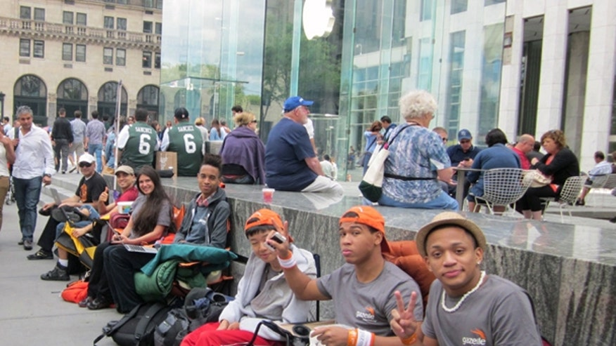 iphone-5-line-5th-ave.jpg