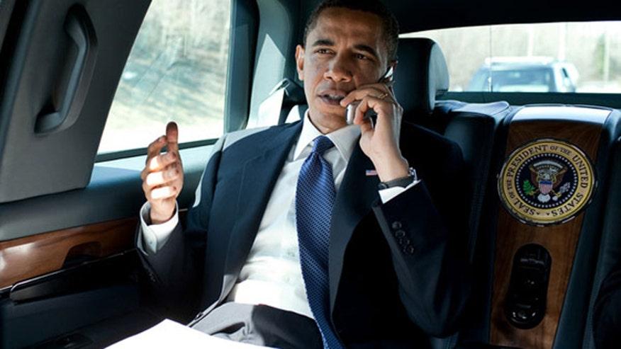 obama-flip-phone.jpg