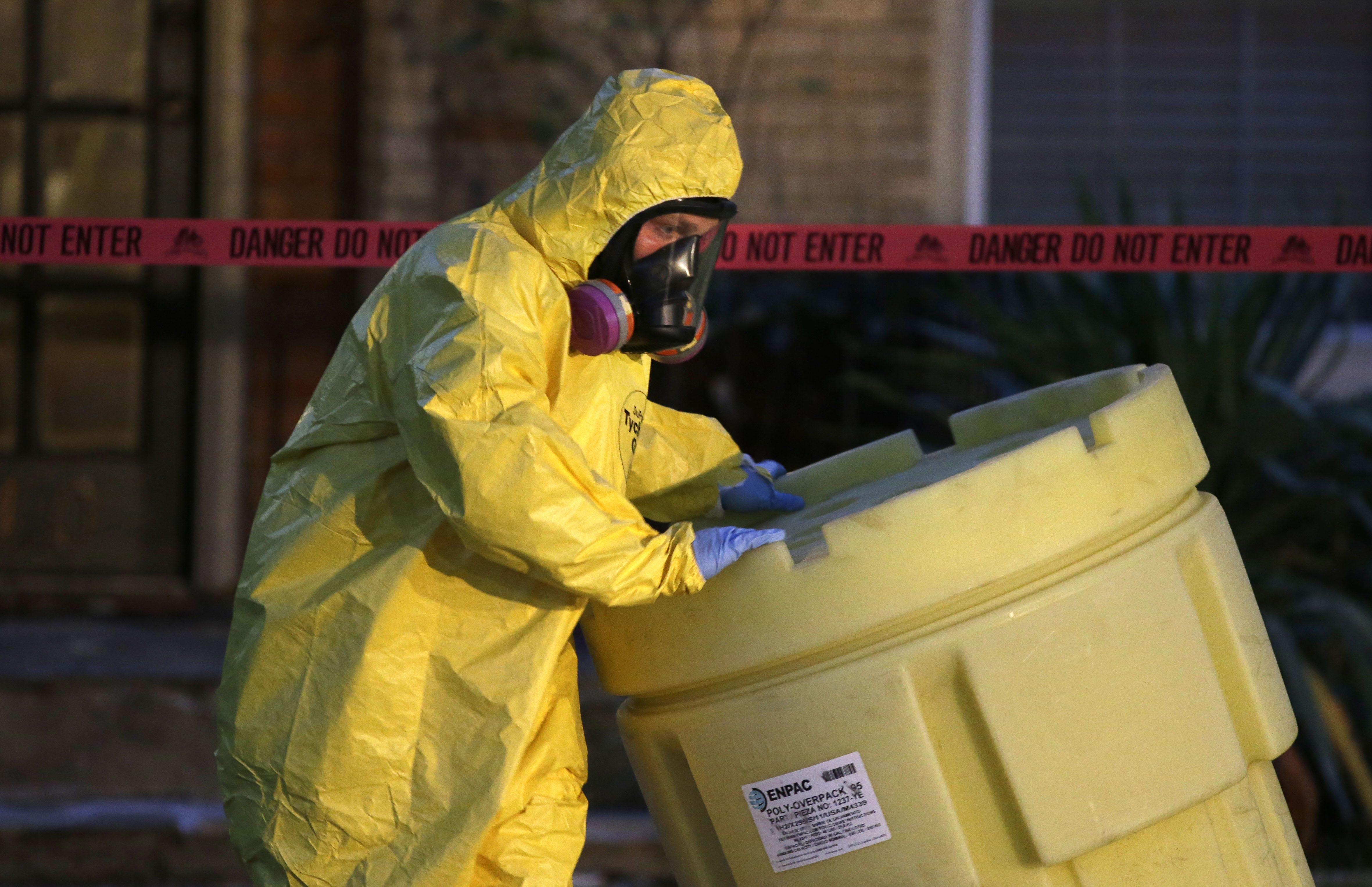 Toxic mess: Agencies at odds over Ebola-waste disposal