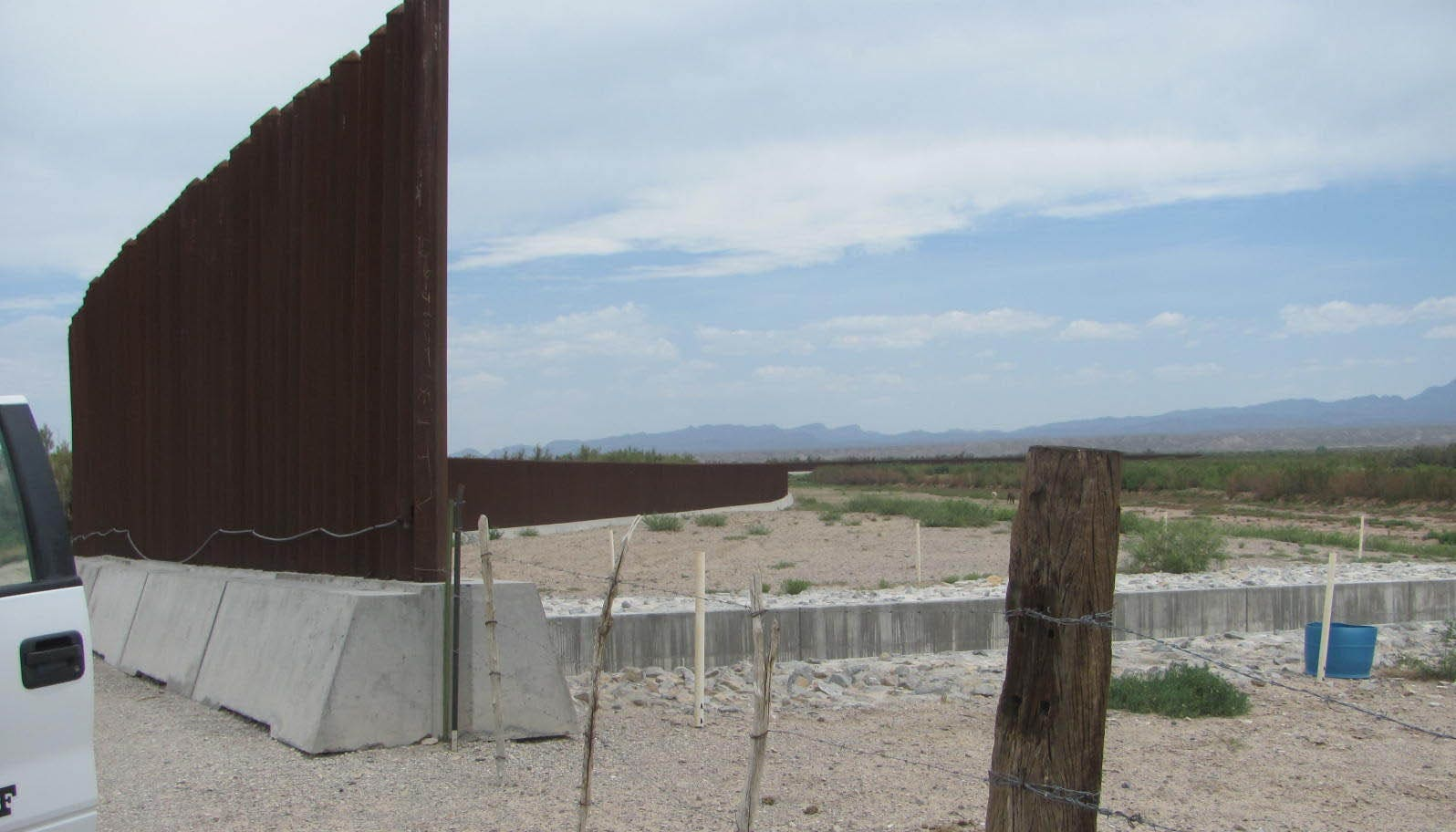 Fort Hancock Texas Where A Fence And Hope For Illegals