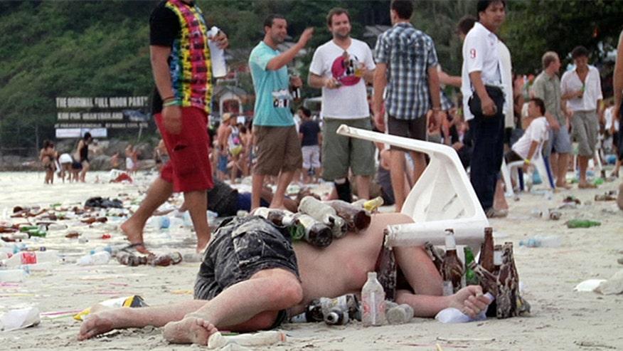 Beach_party_aftermath-3.jpg