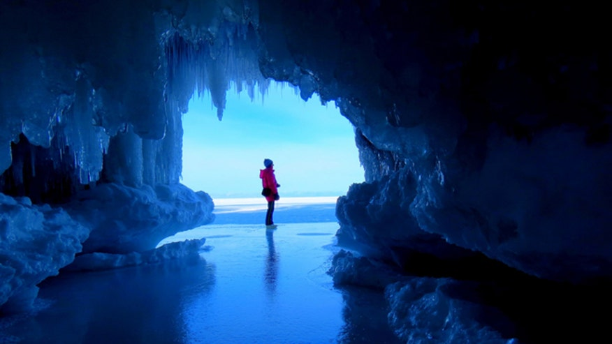 apostle-ice-caves-1.jpg