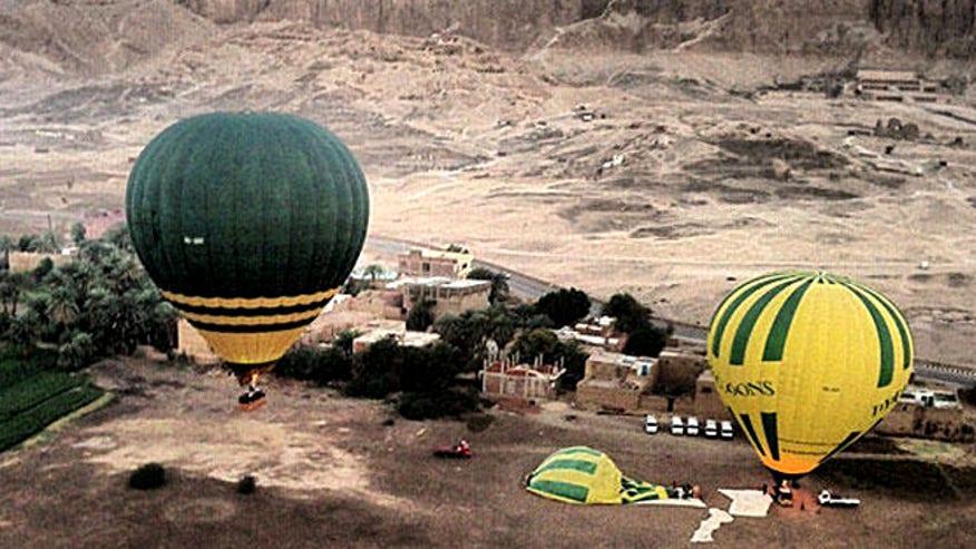 egypt_hotairballoon_ap.jpg