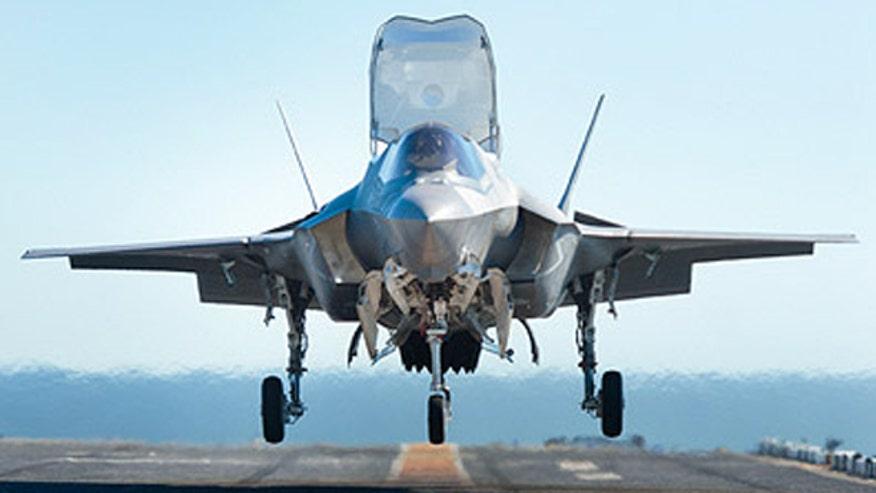 Revolutionary F35 Joint Strike Fighter pilots smart