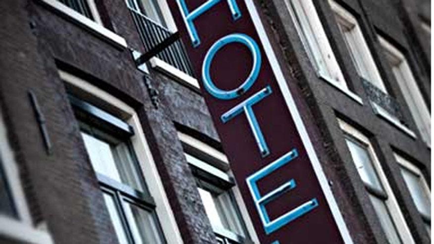 hotel_sign_istock.jpg