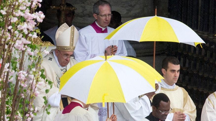 pope-easter-040515.jpg