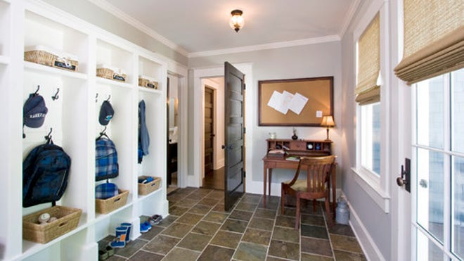 Foyer Mudroom Ny : Home remodeling and renovations ways to keep winter