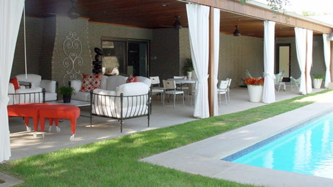 Houzz_MelissaG_600937_0_8-6269-contemporary-patio.jpg