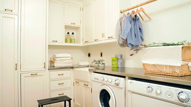 Houzz_TimBarberLTD_890704_0_8-1652-trad-laundry-room.jpg